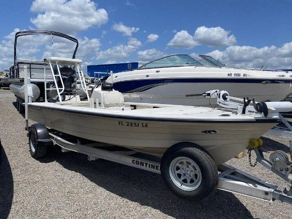 1999 Hewes boat for sale, model of the boat is Red Fisher 19 & Image # 2 of 8
