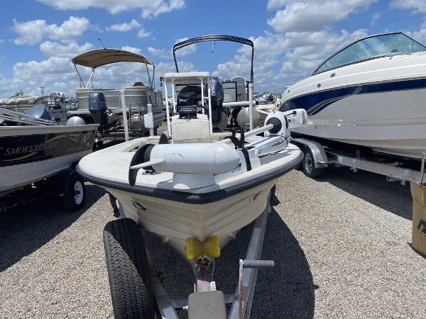 1999 Hewes boat for sale, model of the boat is Red Fisher 19 & Image # 7 of 8
