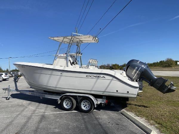 2020 Cobia boat for sale, model of the boat is 237CC & Image # 4 of 10