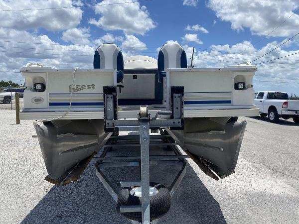 2002 Crest boat for sale, model of the boat is Super Fish 22 & Image # 9 of 9