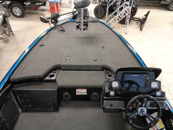 2021 Nitro boat for sale, model of the boat is Z19 Pro & Image # 4 of 34
