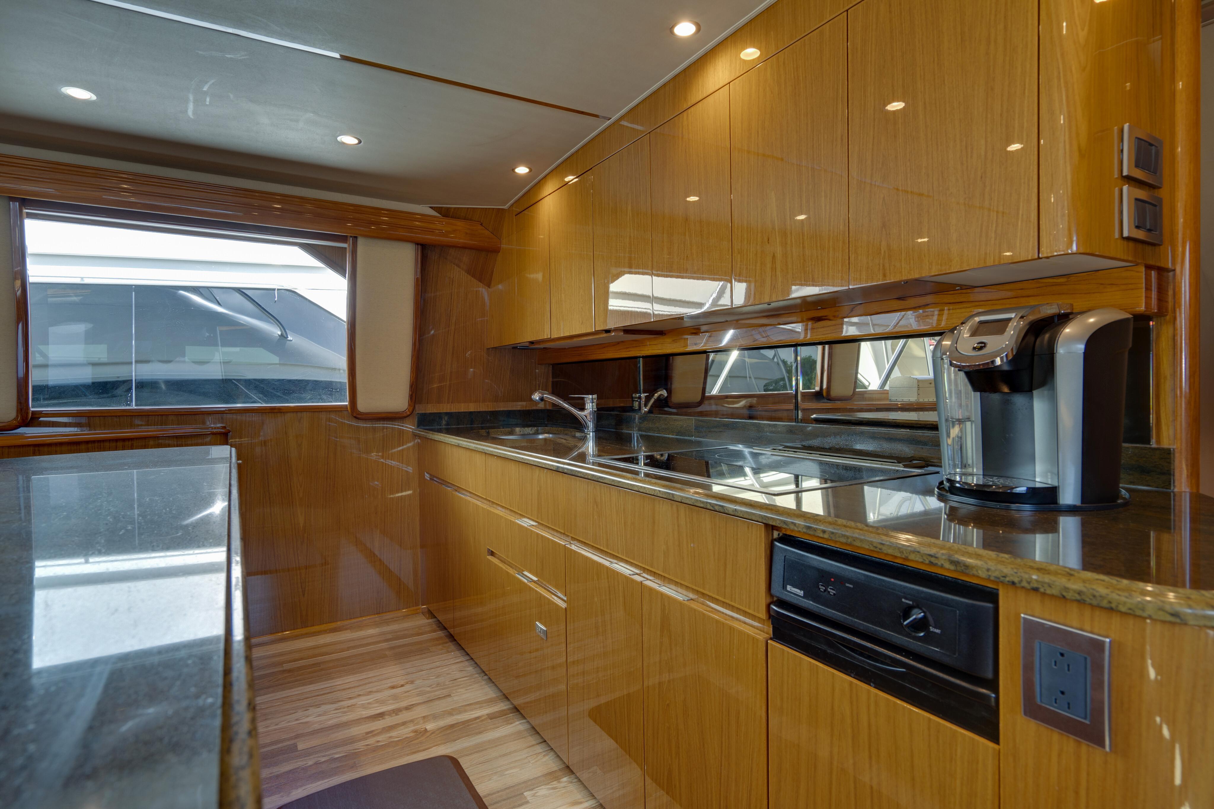 2012 76 Viking SF - Galley