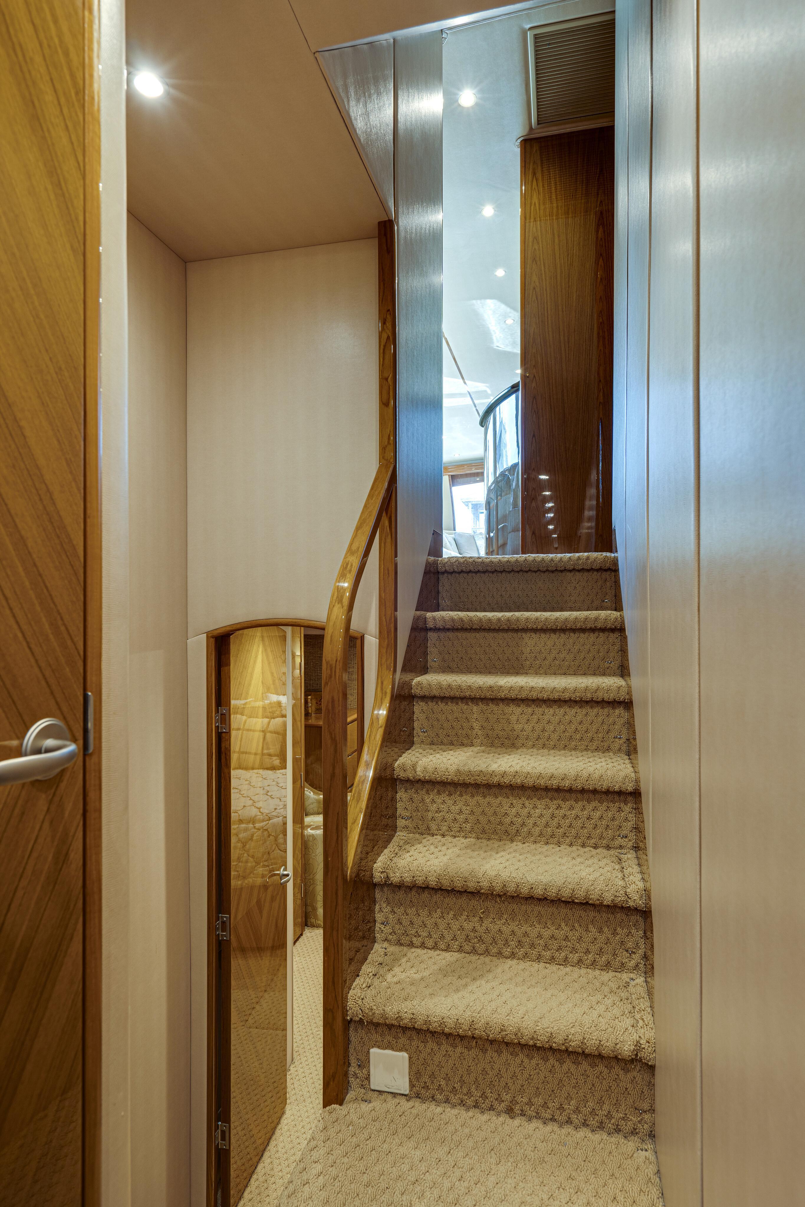 2012 76 Viking SF - Stairway