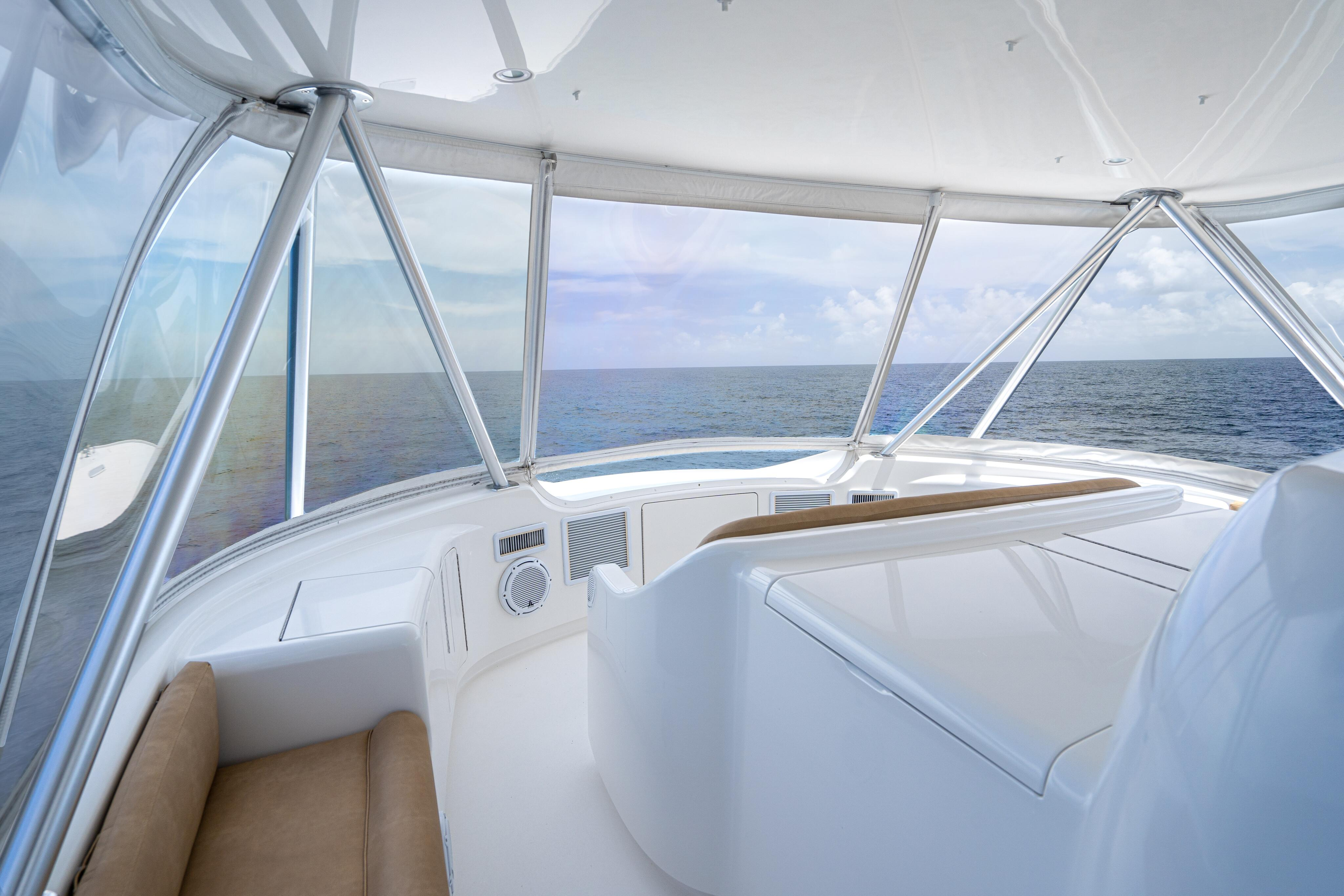 2012 76 Viking SF - Flybridge