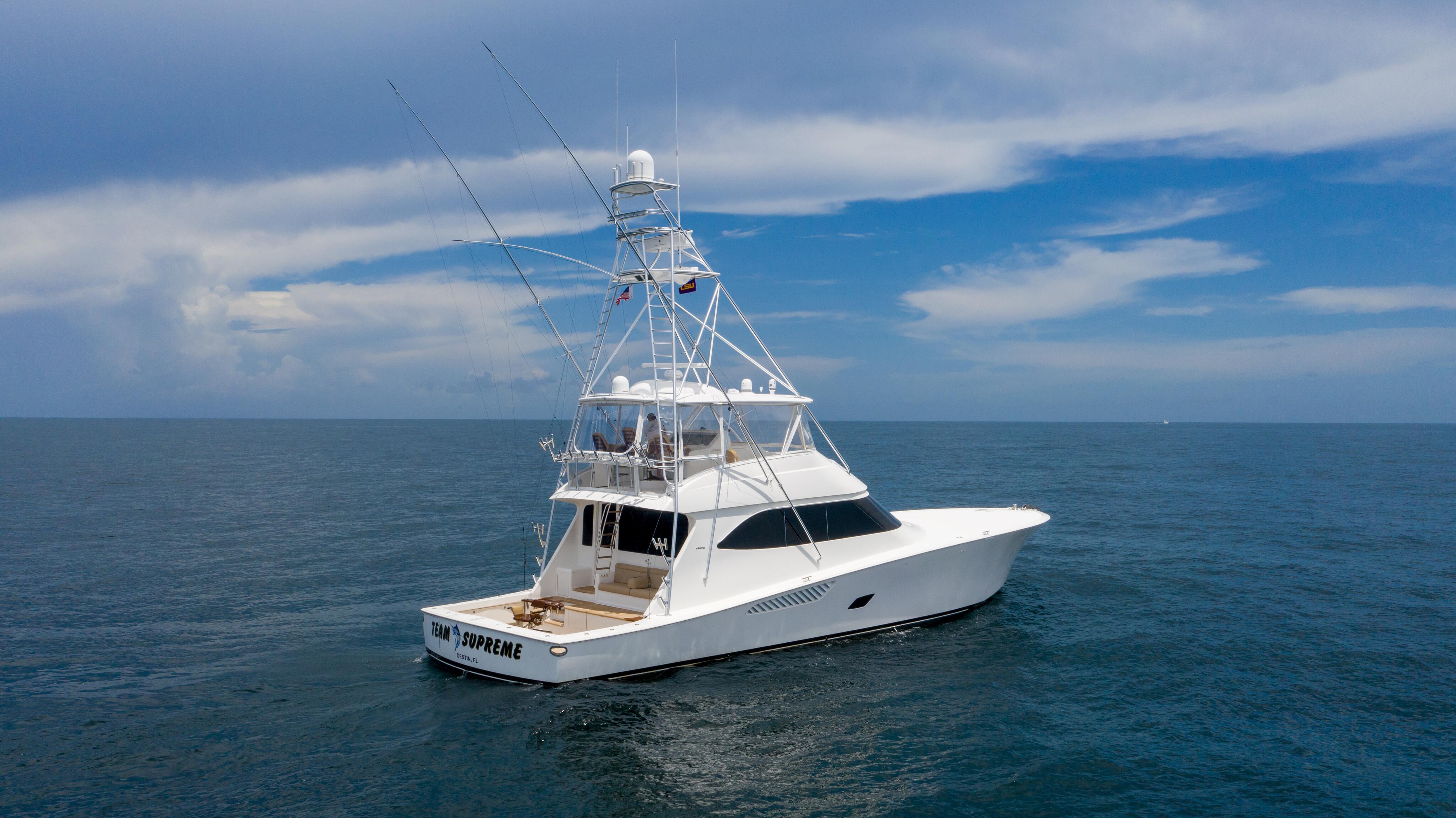 2012 76 Viking SF - Transom profile