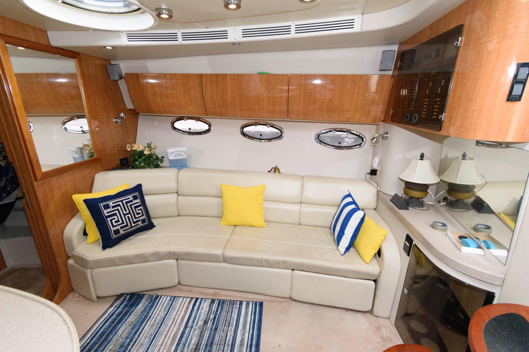 M 6134 JP Knot 10 Yacht Sales