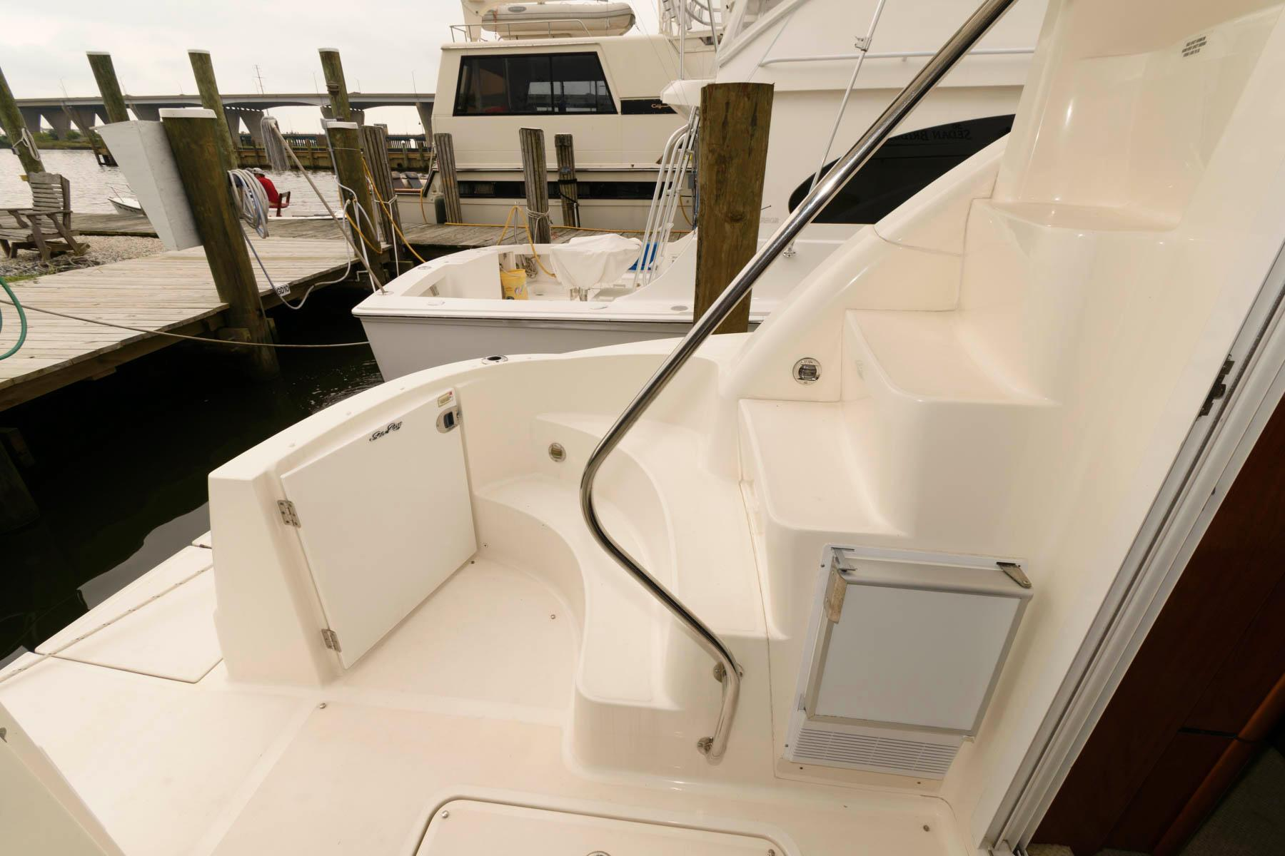 M 6509 SK Knot 10 Yacht Sales