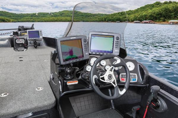 2016 Nitro boat for sale, model of the boat is ZV21 & Image # 94 of 165