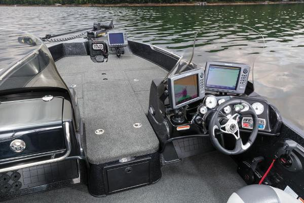 2016 Nitro boat for sale, model of the boat is ZV21 & Image # 103 of 165