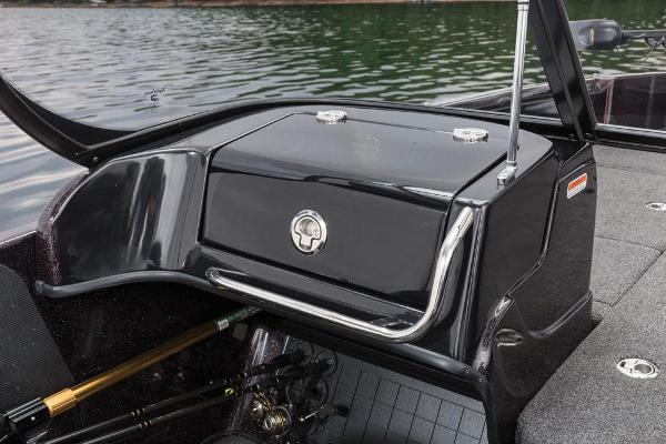 2016 Nitro boat for sale, model of the boat is ZV21 & Image # 136 of 165