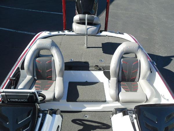 2016 Nitro boat for sale, model of the boat is Z20 & Image # 2 of 36
