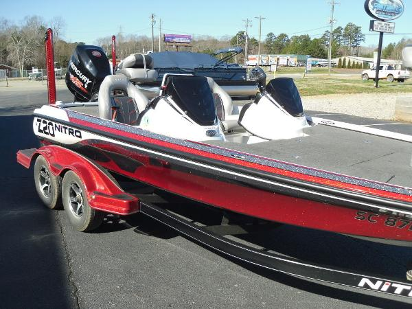 2016 Nitro boat for sale, model of the boat is Z20 & Image # 3 of 36