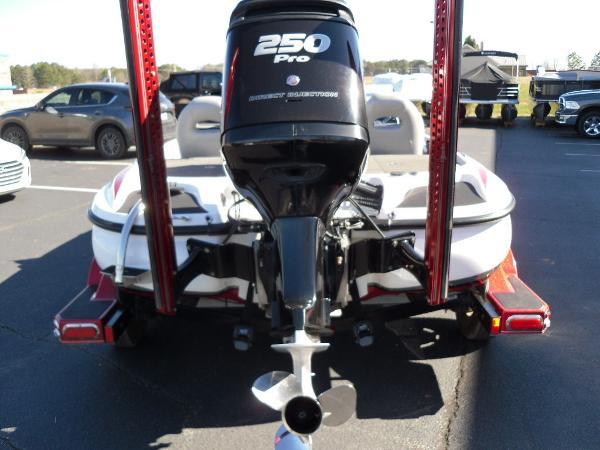 2016 Nitro boat for sale, model of the boat is Z20 & Image # 4 of 36