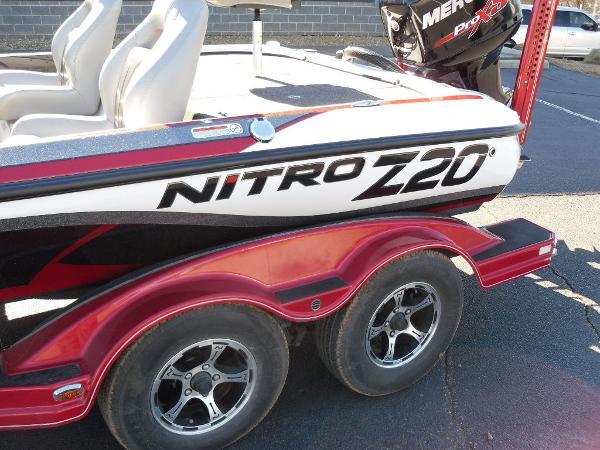 2016 Nitro boat for sale, model of the boat is Z20 & Image # 5 of 36