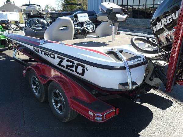 2016 Nitro boat for sale, model of the boat is Z20 & Image # 6 of 36