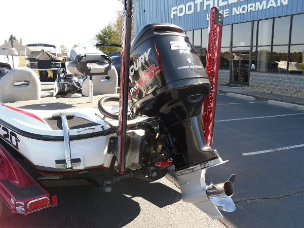 2016 Nitro boat for sale, model of the boat is Z20 & Image # 11 of 36