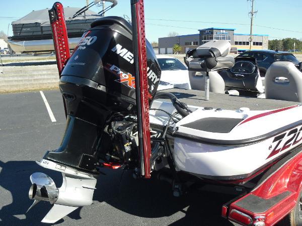 2016 Nitro boat for sale, model of the boat is Z20 & Image # 12 of 36