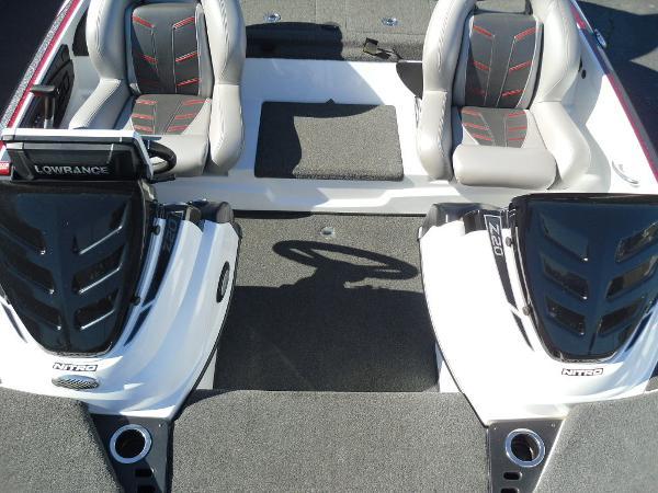 2016 Nitro boat for sale, model of the boat is Z20 & Image # 13 of 36