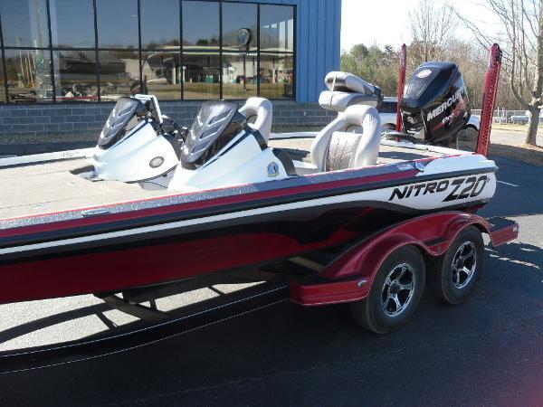 2016 Nitro boat for sale, model of the boat is Z20 & Image # 15 of 36