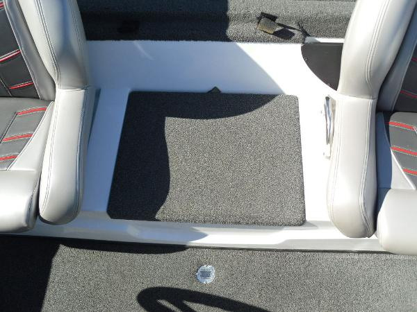2016 Nitro boat for sale, model of the boat is Z20 & Image # 20 of 36
