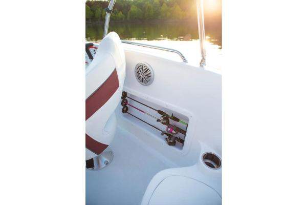 2020 Tahoe boat for sale, model of the boat is 215 Xi & Image # 10 of 14