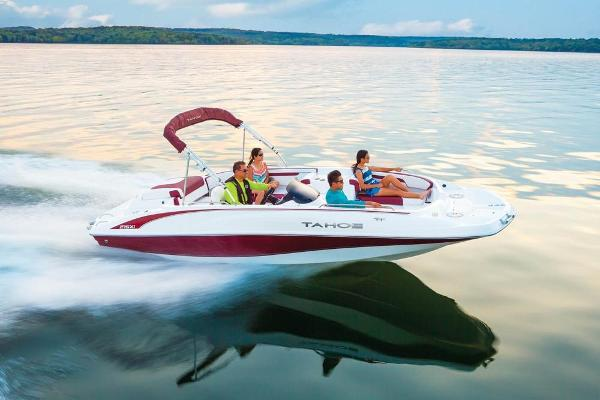 2020 Tahoe boat for sale, model of the boat is 215 Xi & Image # 5 of 14