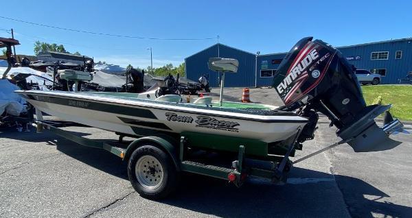 1997 Blazer boat for sale, model of the boat is 202 Pro-V & Image # 2 of 14