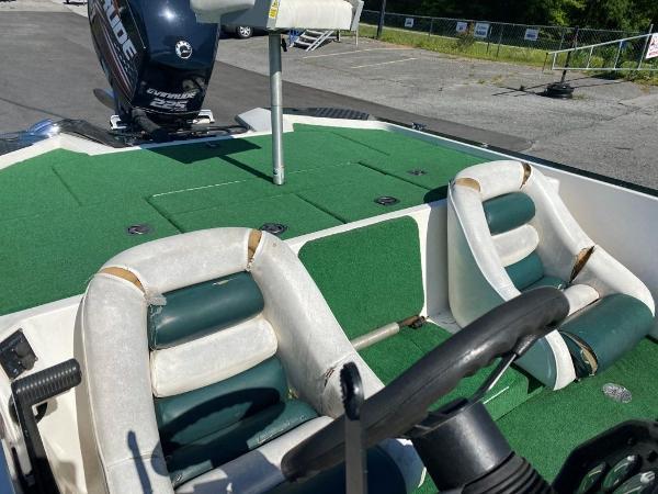1997 Blazer boat for sale, model of the boat is 202 Pro-V & Image # 7 of 14