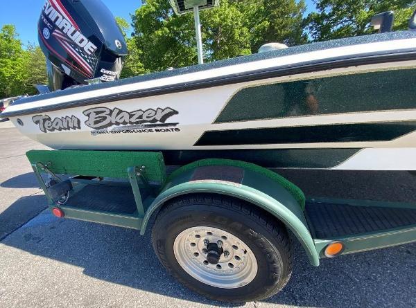 1997 Blazer boat for sale, model of the boat is 202 Pro-V & Image # 9 of 14
