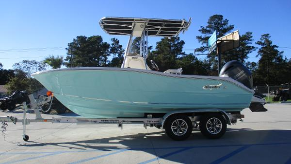 2021 Bulls Bay boat for sale, model of the boat is 200 CC & Image # 4 of 48