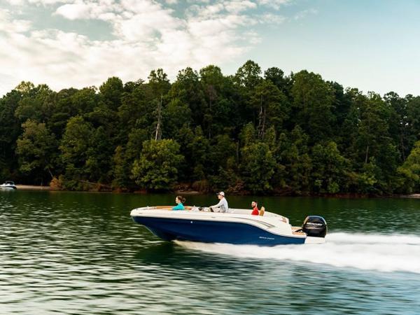 2021 Bayliner boat for sale, model of the boat is DX2000 & Image # 2 of 48