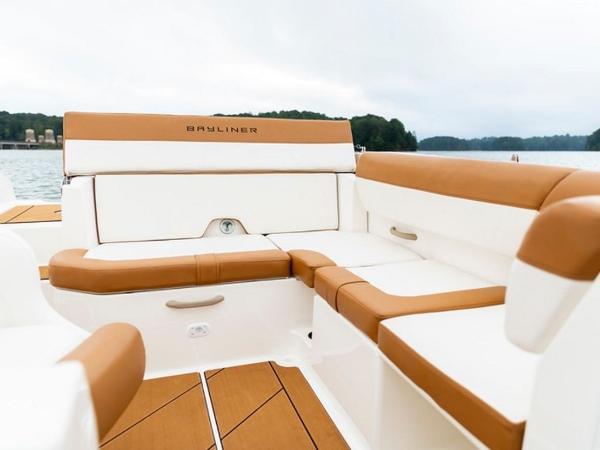 2021 Bayliner boat for sale, model of the boat is DX2000 & Image # 3 of 48