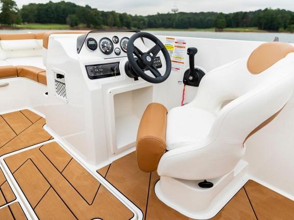 2021 Bayliner boat for sale, model of the boat is DX2000 & Image # 9 of 48