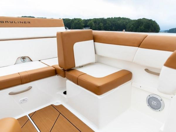 2021 Bayliner boat for sale, model of the boat is DX2000 & Image # 11 of 48