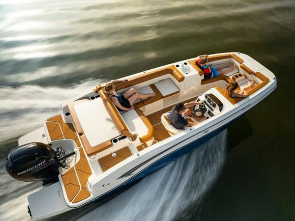 2021 Bayliner boat for sale, model of the boat is DX2000 & Image # 17 of 48