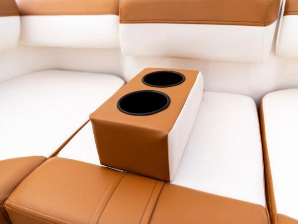 2021 Bayliner boat for sale, model of the boat is DX2000 & Image # 31 of 48