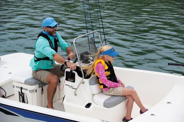 2020 Mako boat for sale, model of the boat is Pro Skiff 17 CC & Image # 40 of 45