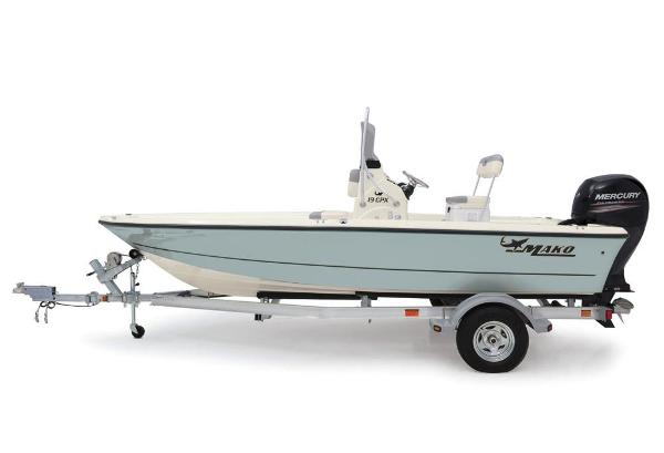2020 Mako boat for sale, model of the boat is 19 CPX & Image # 21 of 62