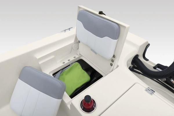 2020 Mako boat for sale, model of the boat is 19 CPX & Image # 46 of 62