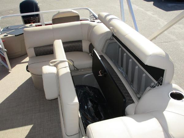 2021 Sun Tracker boat for sale, model of the boat is FISHIN' BARGE® 20 DLX & Image # 23 of 25