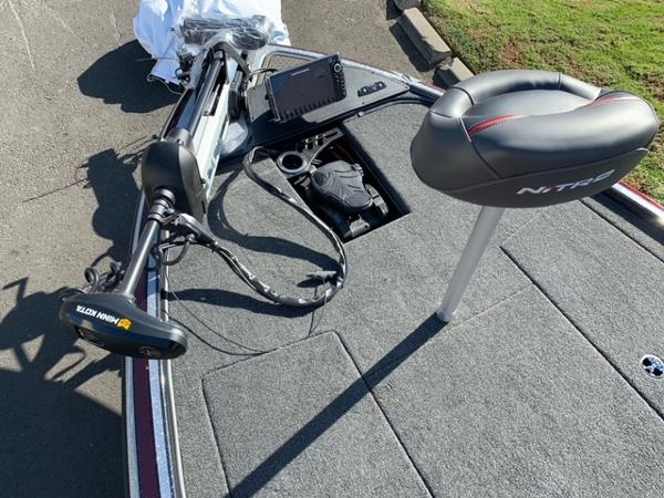 2021 Nitro boat for sale, model of the boat is Z19 Pro & Image # 7 of 10