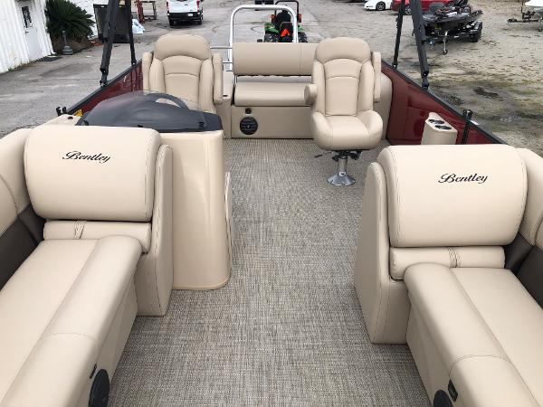 2021 Bentley boat for sale, model of the boat is 243 Swing Back (3/4 Tube) & Image # 10 of 27
