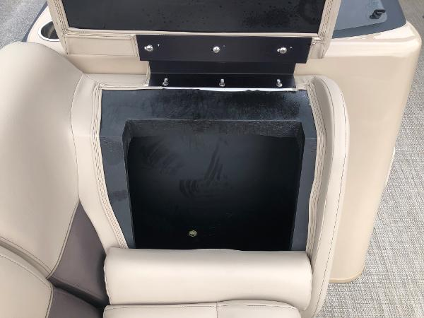 2021 Bentley boat for sale, model of the boat is 243 Swing Back (3/4 Tube) & Image # 14 of 27