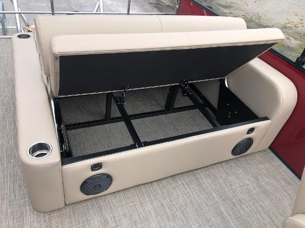 2021 Bentley boat for sale, model of the boat is 243 Swing Back (3/4 Tube) & Image # 24 of 27