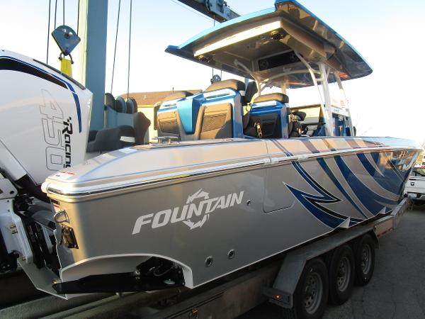 2021 Fountain boat for sale, model of the boat is 34 Sport Center Console & Image # 7 of 44