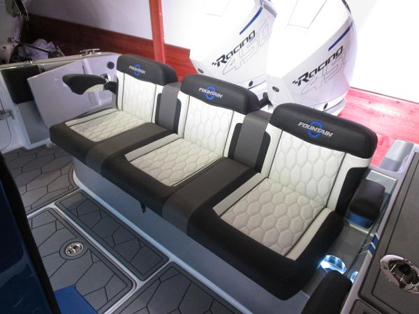 2021 Fountain boat for sale, model of the boat is 34 Sport Center Console & Image # 9 of 44