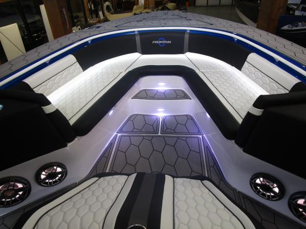 2021 Fountain boat for sale, model of the boat is 34 Sport Center Console & Image # 18 of 44