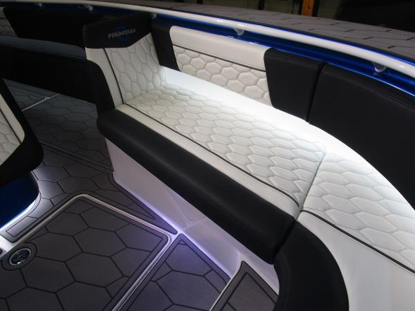 2021 Fountain boat for sale, model of the boat is 34 Sport Center Console & Image # 20 of 44