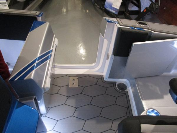 2021 Fountain boat for sale, model of the boat is 34 Sport Center Console & Image # 32 of 44
