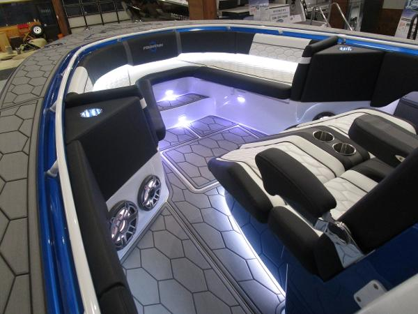 2021 Fountain boat for sale, model of the boat is 34 Sport Center Console & Image # 35 of 44
